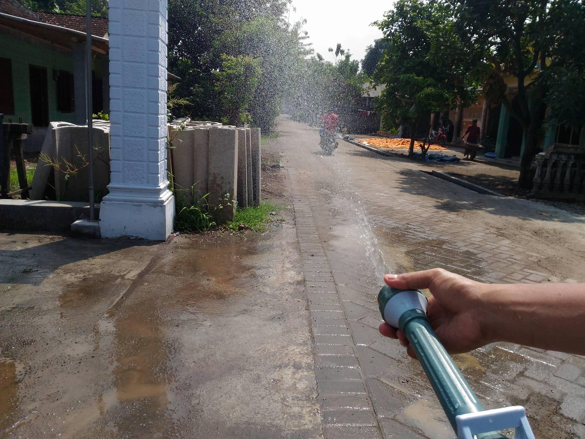 74 Gambar Air Untuk Menyiram Tanaman HD